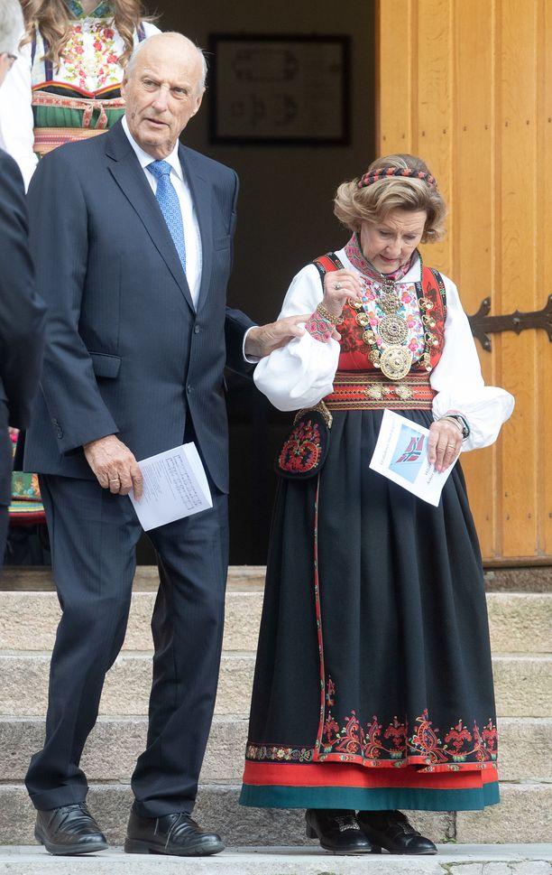 Syyskuun 5. päivänä kuningas Haakon ja kuningatar Sonja olivat mukana pojanpoikansa Sverre-Magnuksen konfirmaatiokirkossa.
