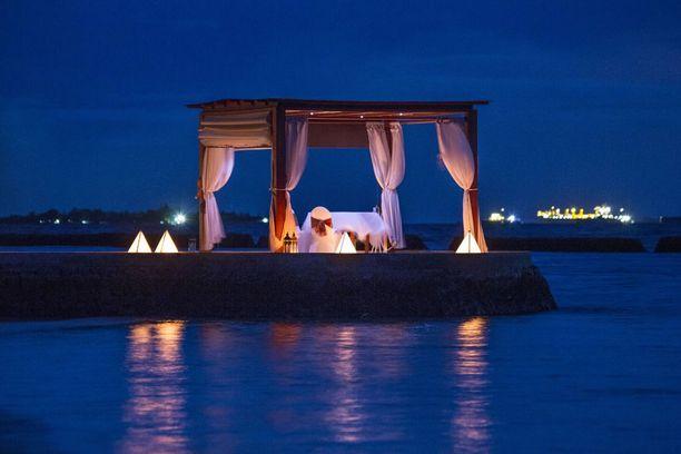 Malediivit on pariskuntien ja varsinkin häämatkalaisten suosima lomakohde.