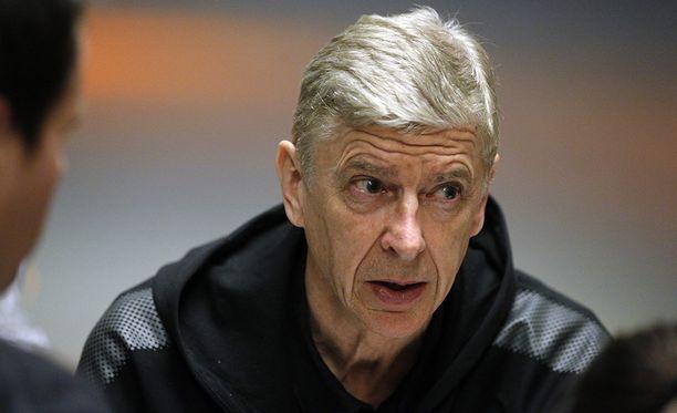 Arsène Wenger ilmoitti, ettei jatka Arsenalin managerina ensi kaudella.
