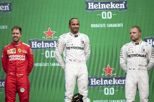 Valtteri Bottas saa olla tarkkana Sebastian Vettelin kanssa.