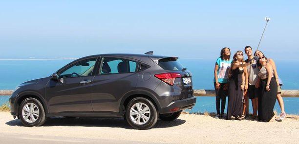 Toisen sukupolven Honda HR-V saapuu syksyllä Suomeen. Pääsimme ajamaan autoa Portugalissa.
