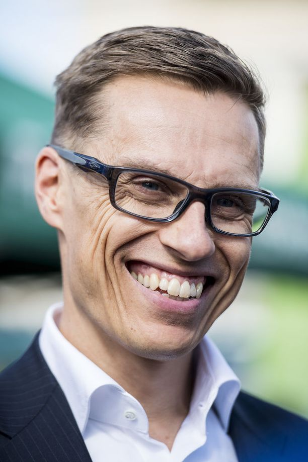 Kokoomuksen kansanedustaja Alexander Stubb jatkaa presidentti Martti Ahtisaaren työtä konfliktinratkaisujärjestö CMI:n hallituksen puheenjohtajana.