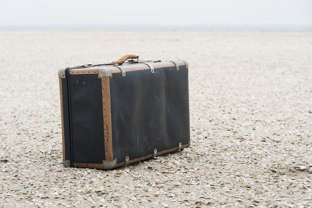 Italian viranomaiset ilmoittivat Riminin satamasta löytyneestä 27-vuotiaan naisen ruumiista, joka oli sullottu matkalaukkuun. Kuvituskuva.