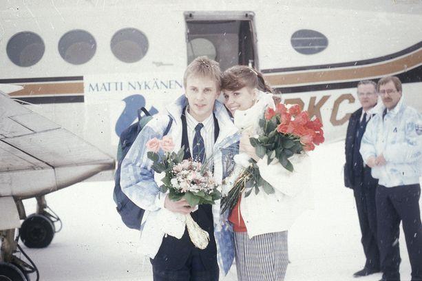 Tiina Hassinen oli Matin ensimmäinen vaimo. Tammikuussa 1988 Matti palasi voitokkaalta mäkiviikolta Tiinansa luo, mutta jo syksyllä uutisoitiin, että parilla on ero vireillä.