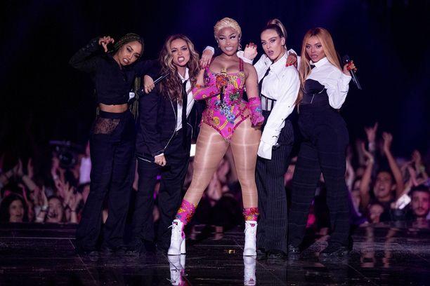Yhdysvaltalaisräppäri Nicki Minaj punnitsi Saudi-Arabian fanejaan ja naisten oikeuksia päätyen jättämään Jeddaan aikataulutetun esiintymisensä väliin.