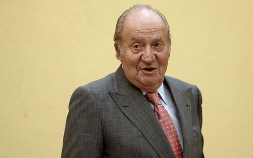 Espanjan entinen kuningas Juan Carlos lähtee maanpakoon kesken korruptiotutkinnan