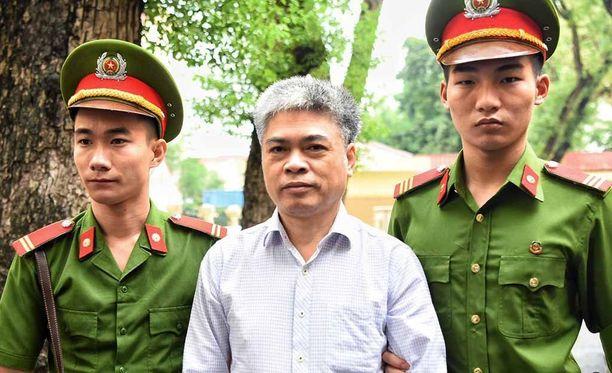 Nguyen Xuan Son sai potkut PetroVietnamista keväällä. Hän oli sitä ennen myös hallitsevan kommunistisen puolueen politbyroon jäsen.