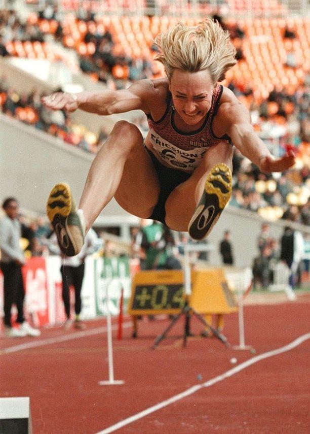 Heike Drechsler on kaksinkertainen olympiavoittaja.