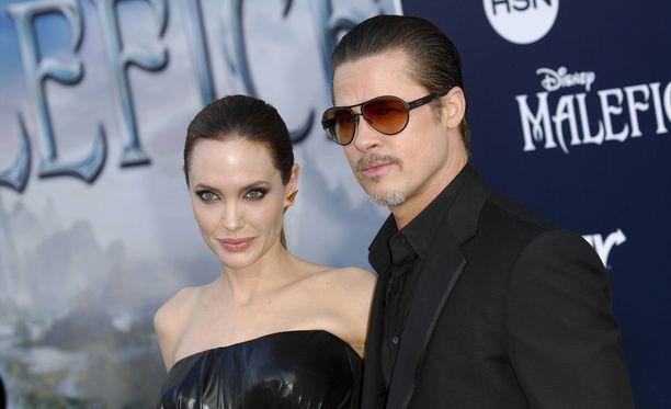 Angelina Jolie ja Brad Pitt on Hollywoodin ykköstähtipari.