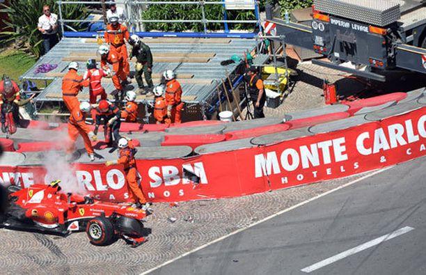 Felipe Massa romutti autonsa Monacossa.