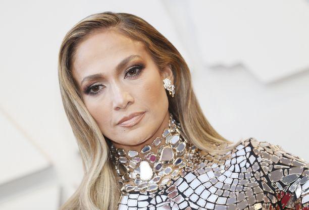 Jennifer Lopezin mielestä miehissä alkaa olla kiinnostavuutta, kun he ovat yli kolmekymppisiä.
