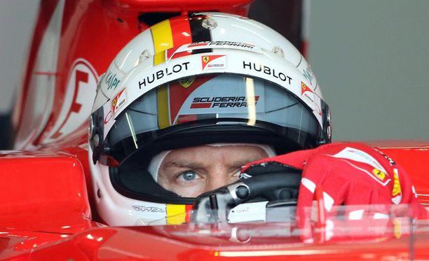 Sebastian Vettel aloittaa testit uudella Ferrari-autolla tänään.