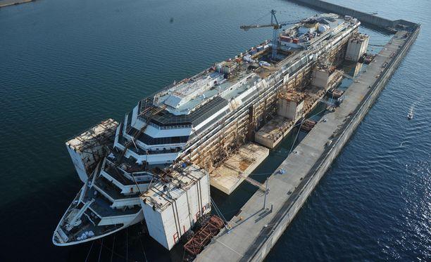 Costa Concordia upposi vuonna 2012.