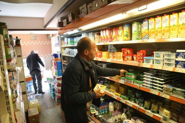 Ruokakauppa Ankarassa. Kuvan henkilöt eivät liity tapaukseen.