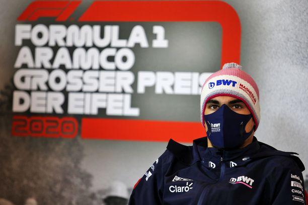 Racing Pointin Lance Stroll ei päässyt ajamaan Nürburgringillä metriäkään.