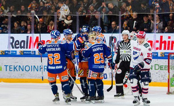 Tappara juhlii kotiyleisönsä edessä HIFK:n kustannuksella.