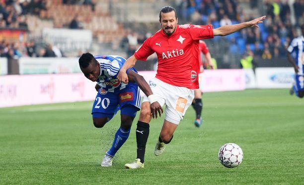 Vincent Onovo ja Jukka Halme kamppailevat viimeistä kertaa tällä kaudella Stadin derbyssä.