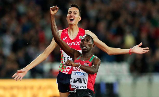 Conseslus Kipruto tuuletti voittoa Lontoossa.