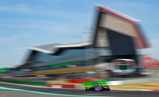 Brendon Hartley kolaroi pelottavalla tavalla harjoituksissa.