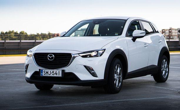 Tyylikäs muotoilu ja ajettavuus kuuluvat Mazda CX-3:n vahvuuksiin.