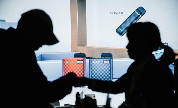 Sähkötupakkatrendejä esiteltiin alan messuilla New Yorkissa.