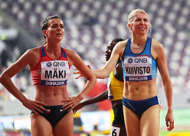 Kristiina Mäki (vas.) ja Sara Kuivisto juoksivat 1 500 metrillä samassa alkuerässä. Mäki meni jatkoon, Kuivisto ei.