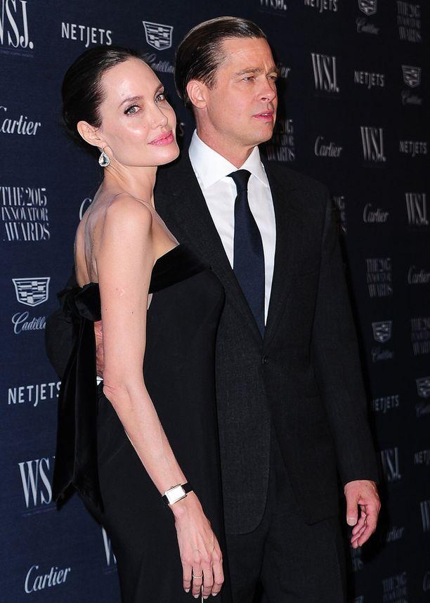 Angelina Jolie ja Brad Pitt erosivat yli vuosi sitten.