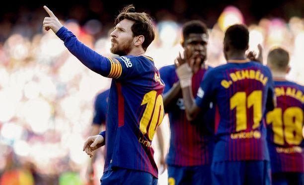 Leo Messi viimeisteli Barcelonan 2-0-maalin puolen tunnin pelin jälkeen.