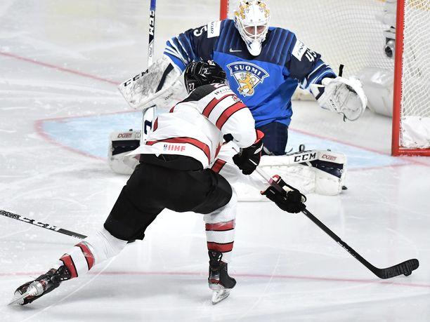 Jussi Olkinuora nimettiin tähdistökentällisen maalivahdiksi.