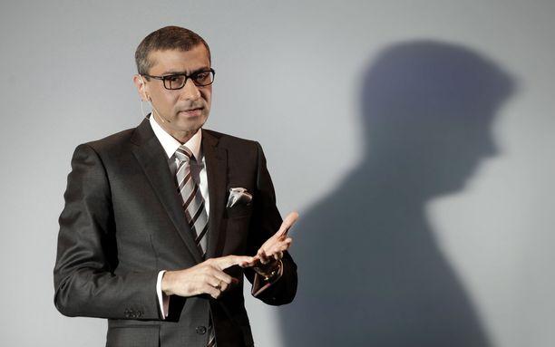 Nokian toimitusjohtaja Rajeev Suri yhtiön tiedotustilaisuudessa huhtikuussa 2015.