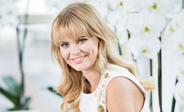 Erika Vikman esiintyy perjantai-iltana Rauhalahden kylpylähotellissa.