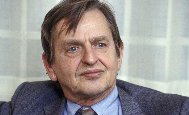 Olof Palme vuonna 1984. Hänen murhansa tutkinta jatkuu edelleen ja on Ruotsin historian kallein.