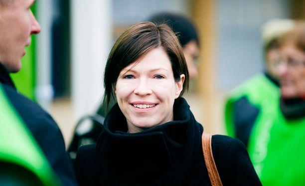 Pormestarivaaliehdokas Anni Sinnemäki (vihr) ei suostu taktikoimaan uusien äänestäjien kalastelemiseksi.