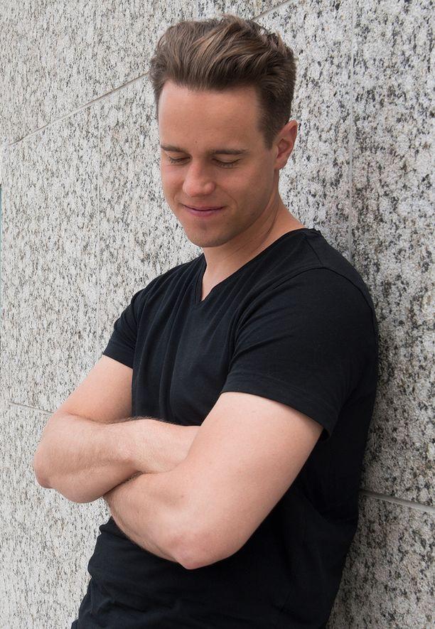 Mikko Harjun nimissä naisille menee törkyviestejä. Nyt Mikko on kyllästynyt tilanteeseen, ja harkitsee rikosilmoituksen tekemistä.