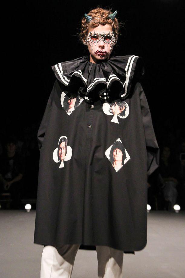 Undercoverin takista löytyvät Rolling Stonesin jäsenet.