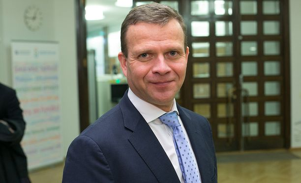 Valtiovarainministerien kokouksen aluksi Petteri Orpo (kok) piti kuitenkin satavuotiaan Suomen kunniaksi puheen, jossa hän korosti EU-maiden yhteistyön voimaa.