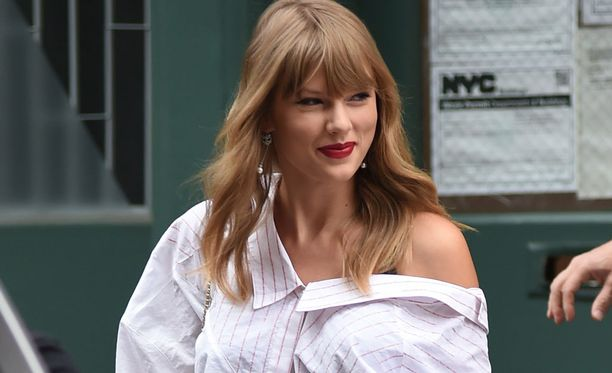 Taylor Swift tunnetaan useista eri kappaleista, kun Shake it Off.