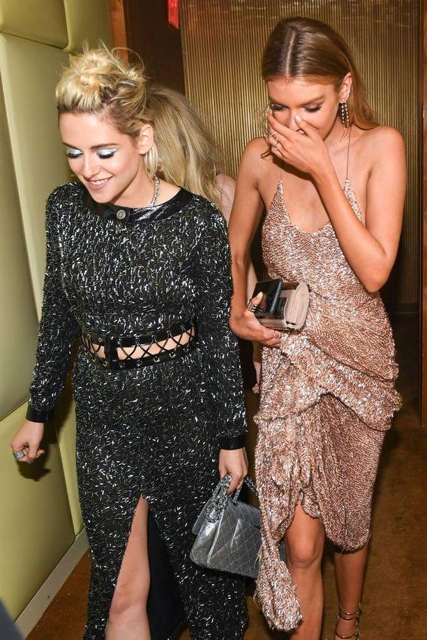 Ovatko Kristen Stewart ja Stella Maxwell julkkismaailman tuoreet rakastavaiset?