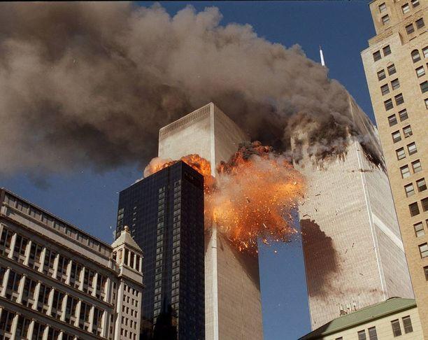 Kaksi kaapatuista koneista ohjattiin tahallaan päin WTC-torneja.