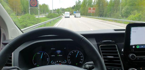 Ensimmäistä kertaa pakettiautolla 120 km/h ja ihan laillisesesti: 1. kesäkuuta  2020.