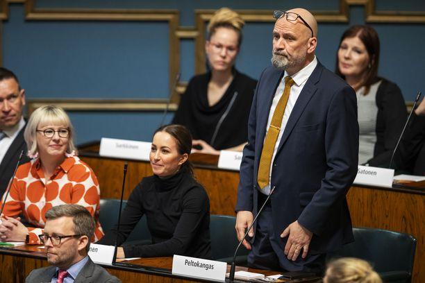 Perussuomalaisten kansanedustaja Mauri Peltokangas vastavalittuna kansanedustajana huhtikuussa 2019.