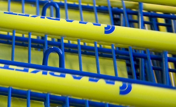 Nauloja sisältäviä proteiinipatukoita löydettiin Helsingin ydinkeskustassa rautatieasemaa vastapäätä  sijaitsevasta S-marketista.