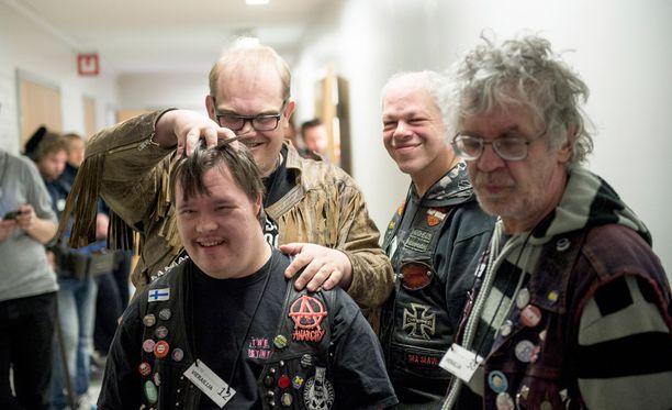 Suomalaiset kiittävät PKN:ää unohtumattomista Euroviisuista ja upeasta asenteesta.