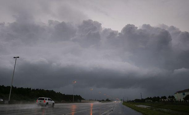 Irma-hurrikaani on lähestymässä eteläistä Floridaan sunnuntaina.