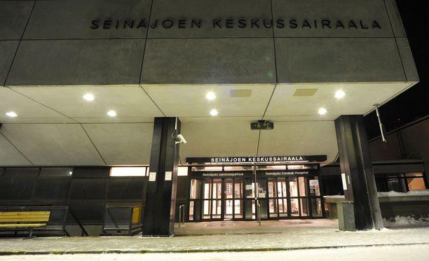 Nainen väittää joutuneensa pilkatuksi Seinäjoen keskussairaalassa.
