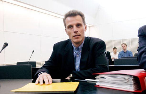 Kari-Pekka Kyrön antamien tietojen merkitystä tutkitaan.