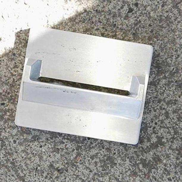 Kortinlukulaitteessa ollut skimmauslaitteen kortinlukijaosa.