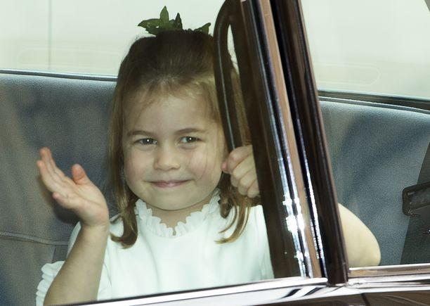 Kuninkaallinen vilkutus on jo prinsessa Charlottella hallussa.