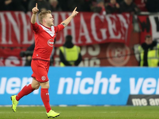 Jean Zimmerin voittomaali Dortmundin verkkoon on jo nyt yksi vahva ehdokas bundesliigakauden upeimmaksi osumaksi.