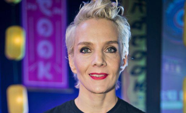 Maria Veitola ei suostunut siihen, että hänet olisi korvattu Janne Katajalla.